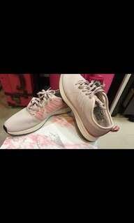 🚚 降價!!Nike超輕慢跑鞋