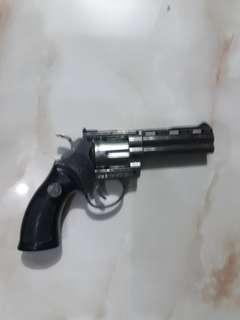 Korek pistol