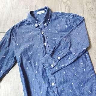 中性款 小版男裝 薄單寧藍中長袖襯衫白色海鷗圖案 復古  文青 denim shirt washed shirt with white bird pattern