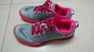 🚚 Nike 訓練鞋 粉紅色 女鞋 7.5/24.5cm 九成新