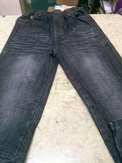 男童牛仔褲〈清屋大平賣,完美主意者不合〉