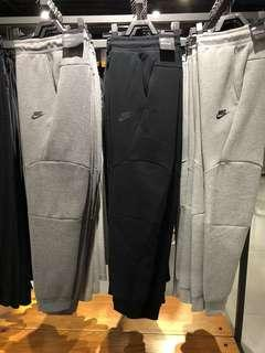 Nike經典大拉鍊棉褲