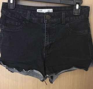 徵求 Cotton on SHORT 黑色牛仔短褲
