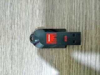 Strontium Pollex USB Flash Drive (8GB)