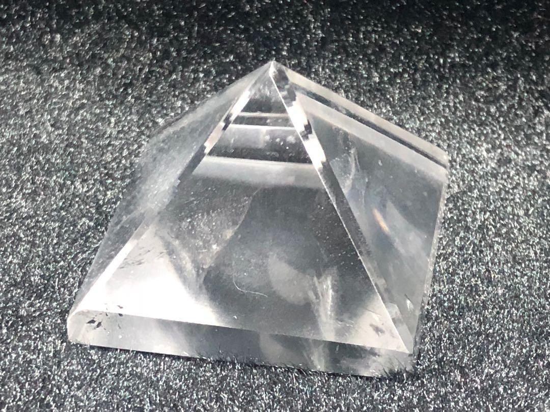 白水晶能量金字塔