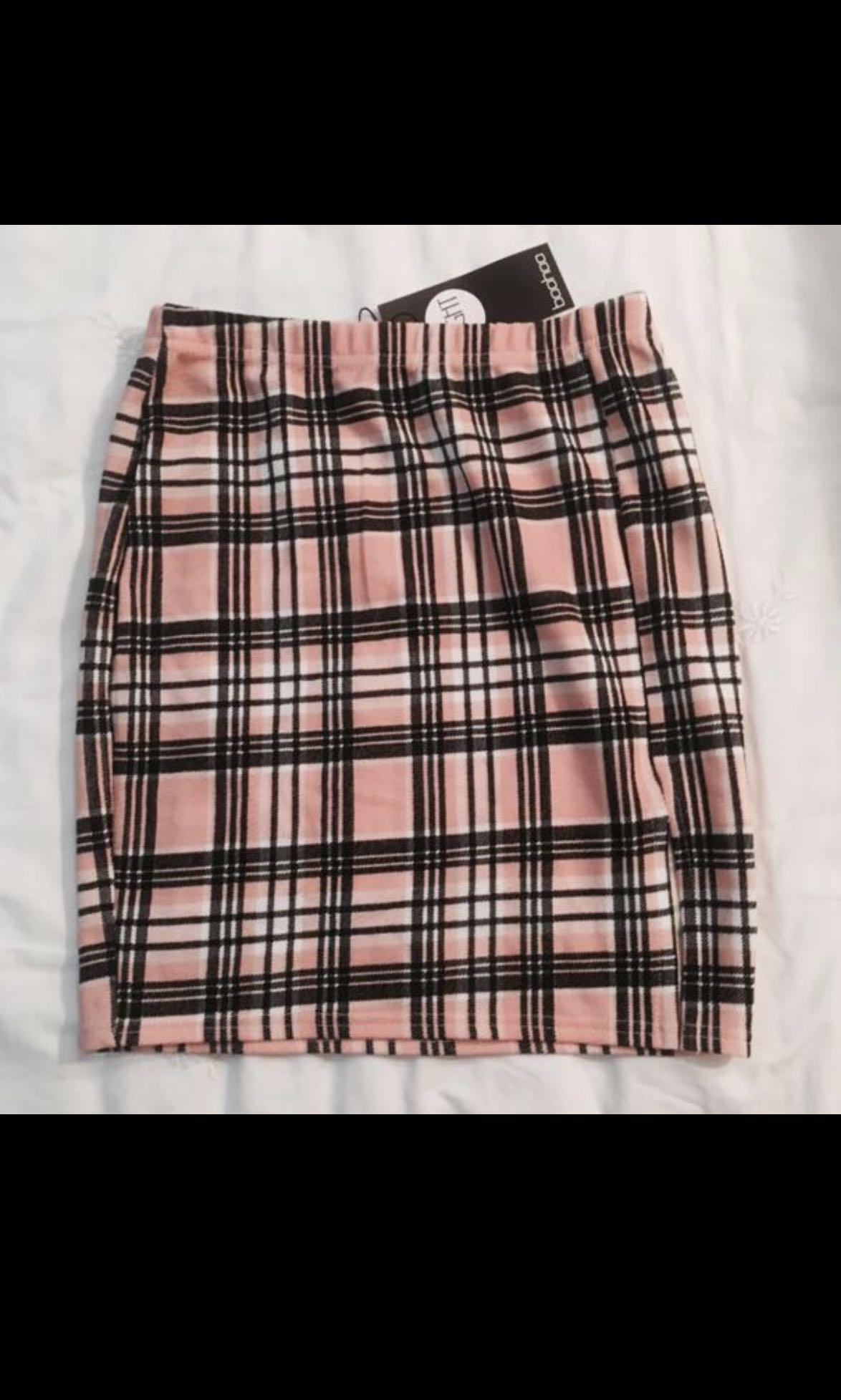 8e831222a3 Boohoo pink checkered bodycon skirt, Women's Fashion, Clothes ...
