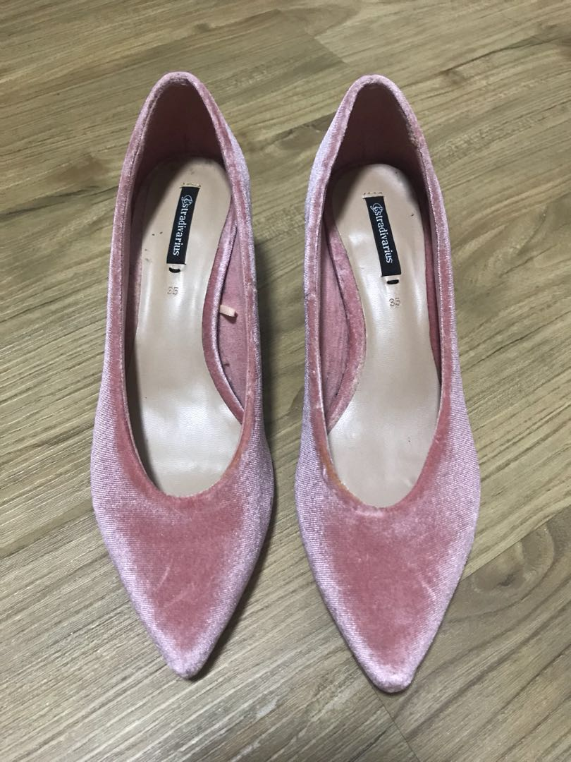a23ad8e70a4 Brand New Stradivarius Block heels size 35  payday30