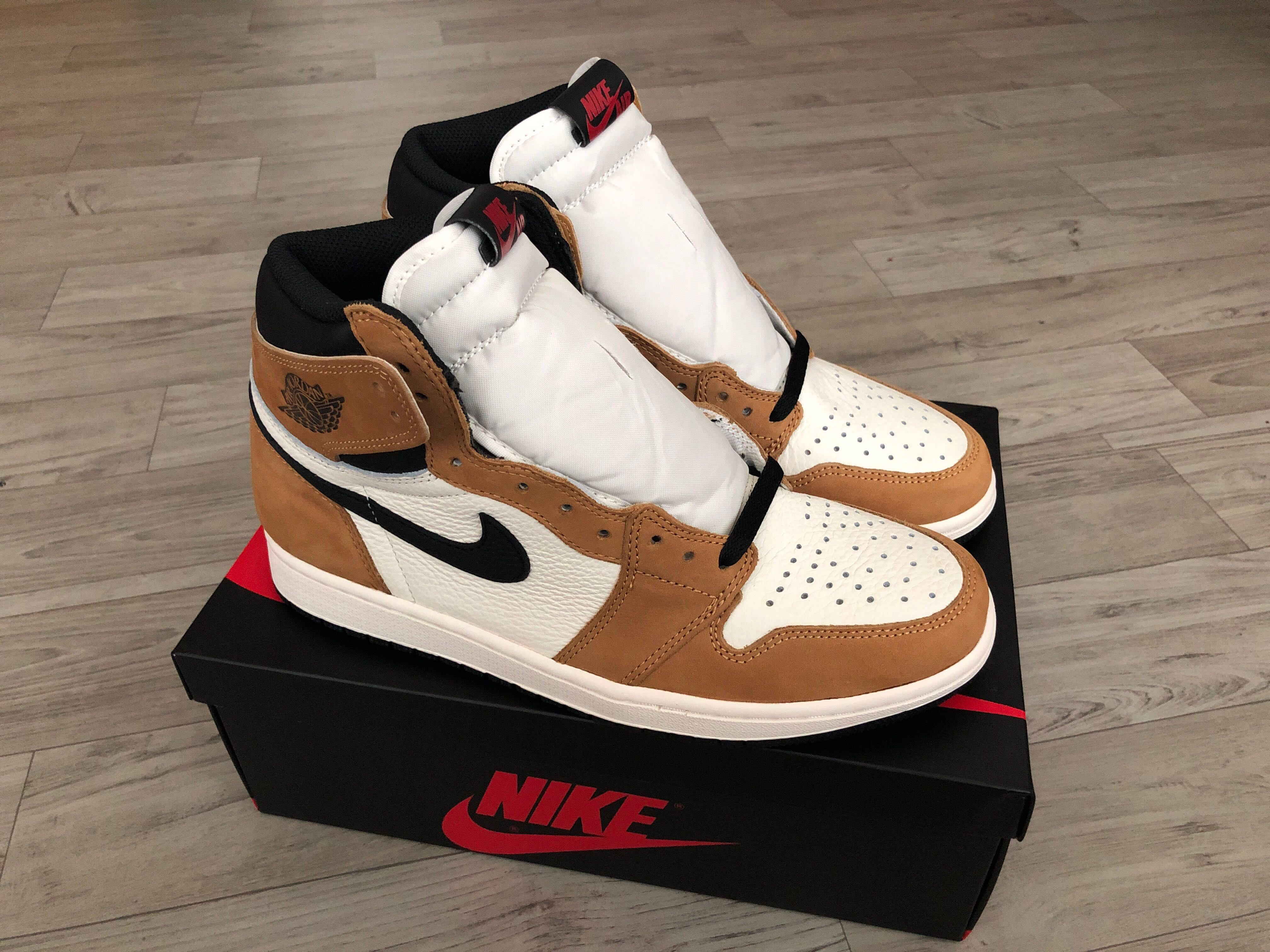 "e674c6ebc85c For TRADE   SALE   SWAP  100% Authentic Nike Air Jordan 1 ROTY ""Rookie of  the Year"" size 9.5 US   8.5 UK"