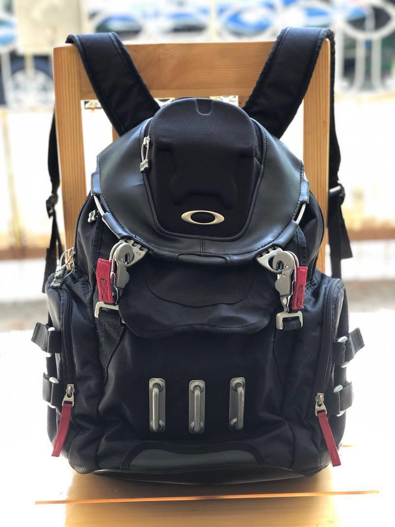 8c95069544 Oakley Bathroom Sink Backpack and Quiksilver Rucksack Backpack with ...