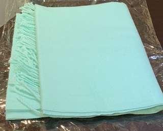 🚚 蘋果綠圍巾