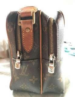 LV sling body bag reporters bag