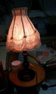 🚚 蕾絲檯燈木製燈座