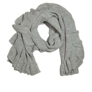 Banana Republic grey ruffle scarf