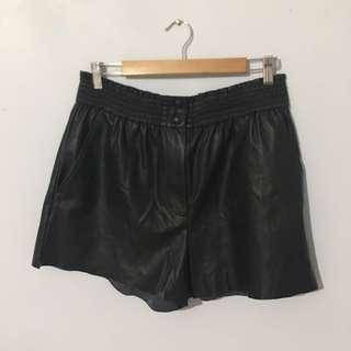 Aritzia Wilfred Free Leather Shorts