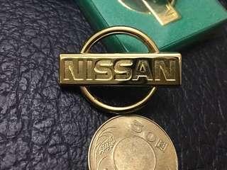 🚚 NISSAN電度24K金背膠銘牌