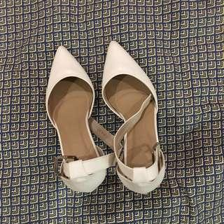 Hue Kim (Pointed Toe Heels)