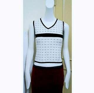 🚚 (自出價) 黑白拼接水玉點點針織無肩上衣 背心 便宜賣 #十一月女裝半價
