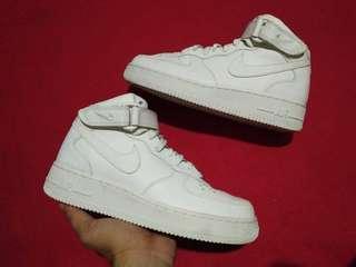 Nike Air Force 1 Mid-cut Sneakers AF1