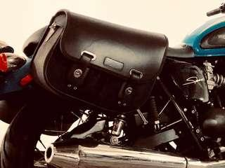 Triumph Thruxton Saddlebags with Original Rack fits Bonneville