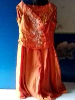 Dress baru sekali pakai