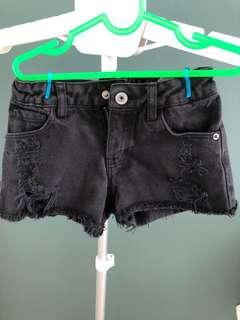 Sale H&M black short ripped jeans 5y