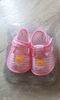 🚚 黃色小鴨寶寶學步鞋