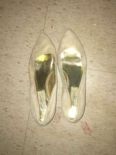 7 shoes for $50