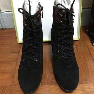 Saunda 黑色女裝綁帶中筒高踭靴 馬丁靴 歐美風 麂皮 39-40碼 「可議價!!!」
