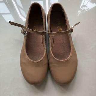 Bloch tan tap shoes size 12.5 and 13