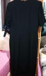 Midi dress hitam