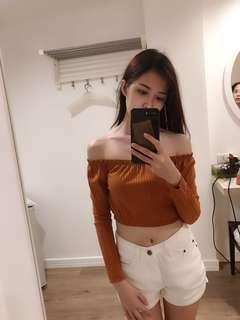 Off shoulder top long sleeves