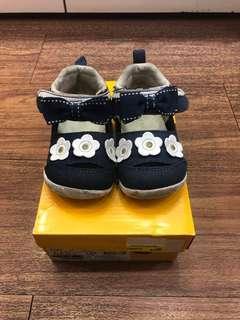 🚚 日本品牌Moonstar女童鞋
