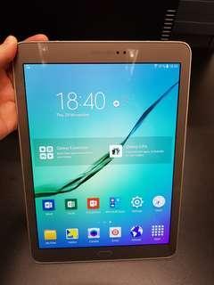 Samsung Galaxy Tab S2 9.7 Wifi Gold T810