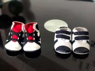 A bundle of prewalker Baby unisex shoes