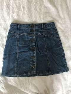 GLASSONS BLUE BUTTON ON DENIM SKIRT SIZE 8