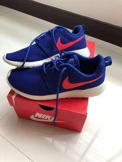 Like New Nike Roshe Run