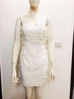 🚚 手工立體花朵搭配法國花樣蕾絲-短版婚紗 零碼樣品出清