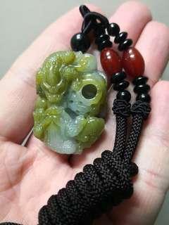緬甸翡翠褸空雕富貴纏身掛飾~跟證書連頸繩