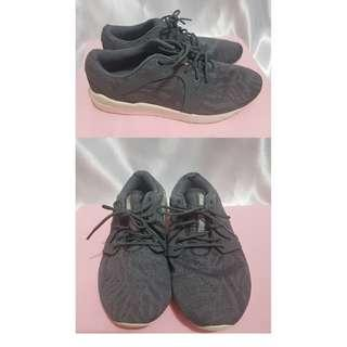 Preloved Asics Tiger Gel Lyte Komachi Hn7n9 Sneakers for Women (See Description for Measurements
