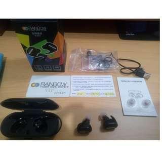 賣Rainbow-RAIR2 雙耳無線藍芽耳機(1對2) 和 Razer Goliathus Speed Cosmic 鼠墊(大)