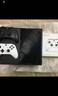 Xbox One 500GB with extra Controller, 2 games and 1 rechargeable battery