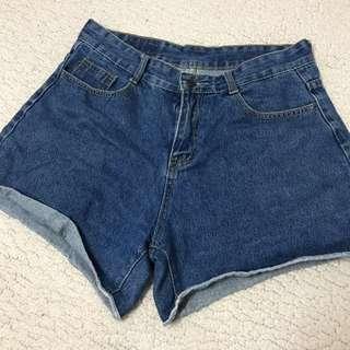 🚚 二手📌 深藍牛仔短褲 L號