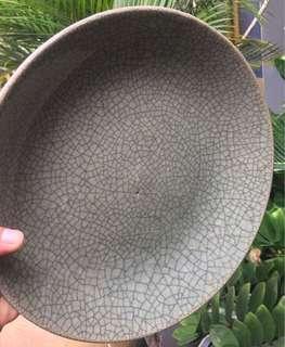 Piring celadon antik era late qing dynasty retak seribu