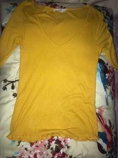 V-neck stradivarius (baju kuning)