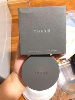 Three 碎粉01