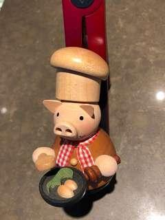 German Smoker — Cooking Pig