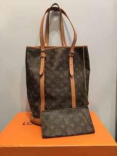 LV bucket gm with purse