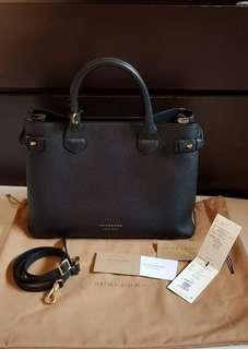 Authentic Burberry Banner Bag in black medium derby leather