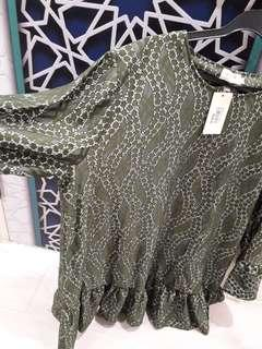 Olive Green Top size L