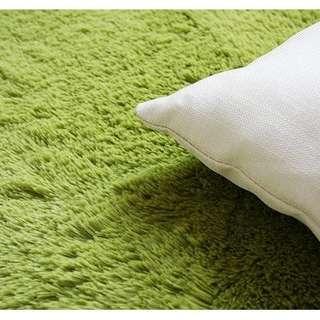 🚚 全新轉賣 180*170公分 韓國絲絨長毛地毯 草綠色